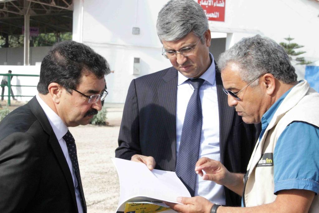 السيد ميلود الأخضر رفقة  السيد محمد صديقي الكاتب العام لوزارة الفلاحة و السيد النيلي بالمعرض الوطني  المهني لتربية الماشية
